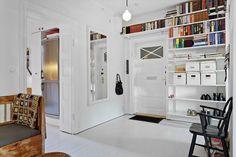 Elfa shelves in hallway