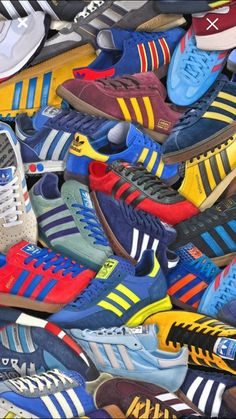 A lot of them. - Tennis Adidas - Ideas of Tennis Adidas - Adidas sneakers. A lot of them. Adidas Vintage, Adidas Retro, Puma Wallpaper, Sneakers Wallpaper, Football Casual Clothing, Football Casuals, Sneakers Mode, Best Sneakers, Adidas Sneakers