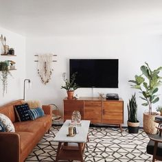 Mid Century Modern Apartment Living Room - Next time you open your door to guests looking in, you don't want them walking in into a dull-looking living room today, do you? Boho Living Room, Home And Living, Living Room Decor, Living Spaces, Modern Living, Bohemian Living, Living Room No Tv, Wood Furniture Living Room, Small Living