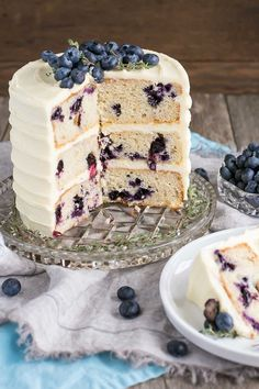 The delicious combination of bananas and blueberries gets paired with a tangy cream cheese frosting in this Blueberry Banana Cake recipe. Food Cakes, Cupcake Cakes, 6 Cake, Rose Cupcake, Cupcakes, Best Blueberry Recipe, Blueberry Cake, Baking Recipes, Cake Recipes