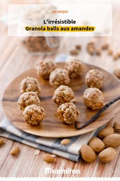 Granola balls with almonds , Peckish? Here is a gourmet and balanced snack, not to (too) feel guilty , Quick Easy Vegan, Easy Vegan Dinner, Vegetarian Recipes Dinner, Delicious Dinner Recipes, Easy Healthy Recipes, Quick Easy Meals, Yummy Food, Law Carb, Quick And Easy Breakfast