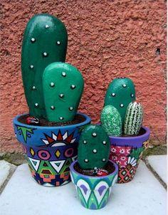 Obiecte decorative spectaculoase din simple pietre de rau Cu putina imaginatie si indemanare poti si tu realiza astfel de obiecte decorative. Aflam mai mule detalii din acest articol http://ideipentrucasa.ro/obiecte-decorative-spectaculoase-din-simple-pietre-de-rau/