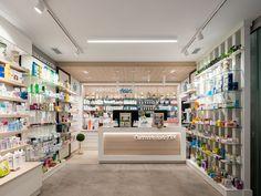 Farmacia Aduriz - taller de farmacias. Diseño , proyectos y reformas de farmacias en Galicia, A Coruña, Pontevedra, Lugo, Orense. Pharmacy Store, Pharmacy Humor, Funny Nurse Quotes, Nurse Humor, Mobile Shop Design, Nursing Memes, Funny Nursing, Nursing Quotes, Gaming Center