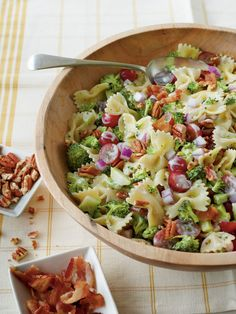 Broccoli, Grape, and Pasta Salad - Easy Pasta Salad Recipes - Southernliving. Recipe: Broccoli, Grape, and Pasta Salad Brocolli Salad, Broccoli Pasta Salads, Creamy Pasta Salads, Easy Pasta Salad Recipe, Best Pasta Salad, Broccoli Recipes, Raw Broccoli, Broccoli Grape Salad, Al Dente