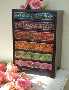 Mehandi embossed drawer chest