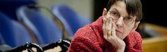 """Schimmige procedure: """"Kamer geeft Nederlandse pensioenen in het geheim weg aan Brussel"""" - http://www.ninefornews.nl/schimmige-procedure-kamer-geeft-nederlandse-pensioenen-in-het-geheim-weg-aan-brussel/"""