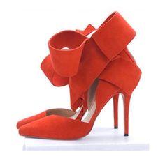 Aminah Abdul Jillil bow pumps in red color Pointed Toe Pumps, High Heel Pumps, Pumps Heels, Bow Heels, Shoes Sandals, Fringe Sandals, Flat Shoes, Fashion Desinger, Mode Shoes