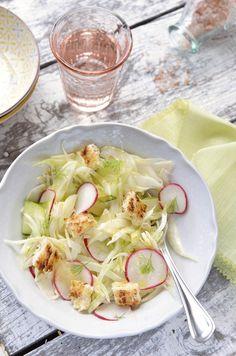 edeskomeny salata1 Salad Recipes, Cabbage, Vegetables, Seasons, Spring, Food, Mint, Cilantro, Seasons Of The Year