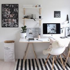 How to pick the best desk for your office needs // home office, clean modern office, office inspiration, minimalistic, minimalism Home Office Space, Home Office Design, Home Office Decor, House Design, Office Ideas, Workspace Design, Small Office, Office Workspace, Office Designs
