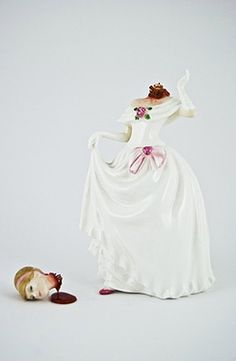 Jessica Harrison, Broken Series, art, sculpture, figurines, porcelain, morbid, macabre