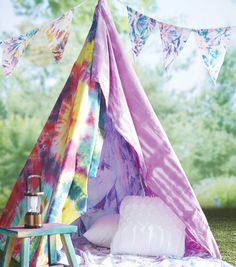 Learn how to Tie Dye Pennants and Tents with this tutorial!