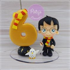 Polymer Clay Projects, Polymer Clay Creations, Clay Crafts, Paper Crafts, Velas Harry Potter, Bolo Harry Potter, Fondant Numbers, Fondant Letters, Number Cake Toppers
