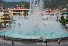 Refreshing to stand by the fountain on a hot summer day in Marmaris