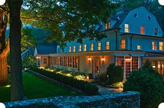 Bed and breakfast. Will do Bedford Post Inn - owned by Richard Gere and his wife. Richard Gere, New York Trip, New York Travel, New York City, Farmhouse Inn, Farmhouse Style, Luxury Inn, Luxury Hotels, The Bedford