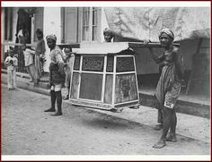 Draagkoets, Makassar. 1900-1915 Dutch East Indies, Makassar, Art, Nostalgia, Art Background, Kunst, Performing Arts, Art Education Resources, Artworks