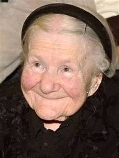 During WWII, Irena Sendler worked in the Warsaw Ghetto and smuggled Jewish children out. Her dog, trained to bark when soldiers let her in and out of the ghetto, covered the kids' noises. She save 2500 children. When caught, Nazis beat her severely. Irena Sendler, We Are The World, In This World, I Smile, Make Me Smile, Old Lady Names, Combat Boxe, Warsaw Ghetto, Warsaw Poland