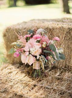 Pink bouquet. Photography: Erin J Saldana Photography - erinjsaldana.com/