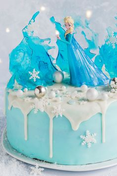 Elsa cake - Anyone who knows the film will love this cake! With our step-by-step instructions, this cake is gua - Elsa Birthday Cake, Frozen Themed Birthday Cake, Elegant Birthday Cakes, Frozen Theme Cake, Funny Birthday Cakes, Birthday Cake For Husband, Birthday Cakes For Men, Themed Cakes, 4th Birthday