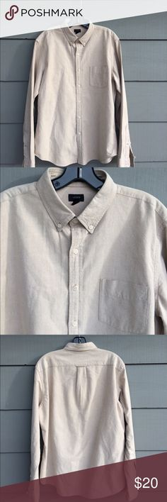 J crew men's oxford shirt Nice medium weight cotton shirt.  Gorgeous subtle oatmeal color. Beautiful condition j crew Shirts Casual Button Down Shirts