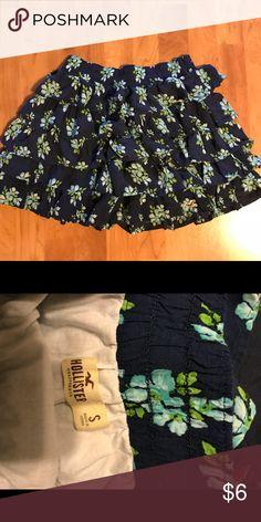 Hollister skirt Size small, tiered ruffle skirt. EUC. Hollister Skirts Mini