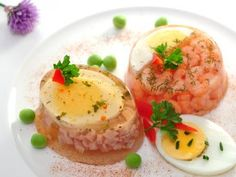 Low-calorie starter Ham aspic Recipe for 4 servings Kcal / minute preparation time - Let it cool for 4 hours in the fridge Ingredients 60 g of cooked ham 1 hard-boiled egg 100 g of tomatoes (favor seasonal fruits and vegetables) Low Calorie Starters, Fruit In Season, Hard Boiled, Recipe For 4, Fruits And Vegetables, Ham, Keto, Eggs, Kitchens