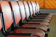 2012-12-07: take a seat, please