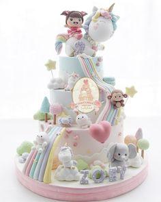 I love the pastel colours Girly Cakes, Cute Cakes, Fancy Cakes, Baby Girl Cakes, Baby Birthday Cakes, Fondant Cakes Kids, Cupcake Cakes, Winter Torte, Cupcakes Decorados