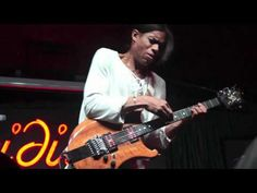 ▶ An Intimate Evening with Stanley Jordan Solo At The Iridium (10.24.11) - YouTube