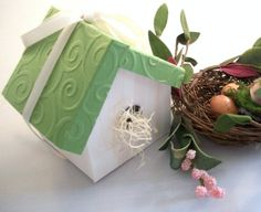 Birdhouse Favor Box