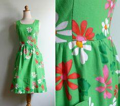 Vintage 70's MALIA Kelly Green Daisy Sun Dress