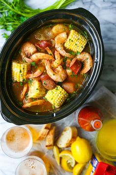 Slow Cooker Shrimp Boil Red potatoes andouille sausage shrimp corn Old Bay. A classic shrimp boil made without any of the fuss right in your crockpot! - Slow Cooker - Ideas of Slow Cooker Slow Cooker Huhn, Best Slow Cooker, Slow Cooker Chicken, Slow Cooker Recipes, Cooking Recipes, Healthy Recipes, Shrimp Slow Cooker, Small Crockpot Recipes, Shrimp Boil Recipe Old Bay