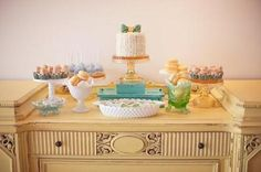 Trend alert: baby bow ties baby shower! #pamperspinparty