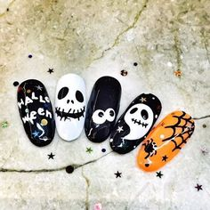 So fun for Halloween. Cute Halloween Nails, Halloween Nail Designs, Cute Designs, Nail Art Designs, Nail Drawing, Nail Art Images, Autumn Nails, Nail Stamping, Holiday Nails