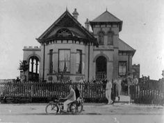 """'The Victory"""", a boarding house situated at 121 De Korte Street, Braamfontein early in the 1900s (With acknowledgement to Friedel Hansen)"""
