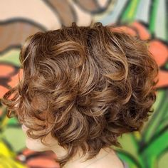 31 Gorgeous Short Curly Hair Styles in July 2020 Medium Curly Haircuts, Short Curly Hairstyles For Women, Haircuts For Curly Hair, Curly Hair Tips, Curly Hair Styles, Short Layered Curly Hair, Thick Curly Hair, Medium Short Hair, Short Hair Cuts