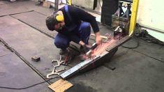 Body repair. Кузовной ремонт автомобилей в гараже. Новое приспособление в моем гараже. Подробности на моем сайте. http://remontkuzova.blogspot.ru/ Комментари...
