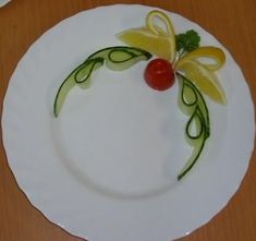food garnish ideas carving arrangements and food garnishes plate food gar food garnish ideasCarving Arrangements and Food Garnishes Plate Food Garfoodart Fruit Decorations, Food Decoration, Vegetable Decoration, Fruit And Vegetable Carving, Food Carving, Food Garnishes, Garnishing Ideas, Fruit Party, Food Humor