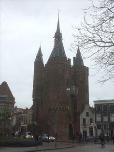 3 januari 2017 - Zwolle is een prachtige Hanzestad met oude stadsmuren, Museum De Fundatie, Grote Kerk, Peperbus, Boekenwinkel Waanders In De Broeren, Sassenpoort en prachtige oude panden in de binnenstad.