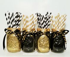 Mason Jar Centerpieces, Graduation Party Decorations, Gold Wedding, Black and Gold Decor, Wedding De Jar Centerpiece Wedding, Mason Jar Centerpieces, Black Centerpieces, Centerpiece Decorations, Party Table Centerpieces, Table Party, Gold Mason Jars, New Years Eve Decorations, Black And Gold Party Decorations