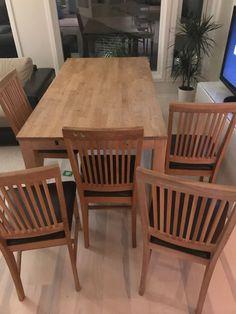 FINN – Bord og 6 stoler