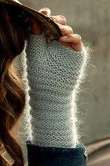 Ravelry: Project Gallery for Prue pattern by Olga Buraya-Kefelian Fingerless Gloves Knitted, Crochet Gloves, Knit Mittens, Knit Or Crochet, Knitted Hats, Mittens Pattern, Hand Knitting, Knitting Patterns, Moda Crochet