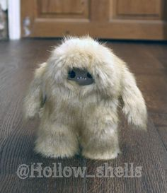 BigFoot Sightings from Around the Worls, Sasquatch, Yowi, Abonimable Snowman, All Sightings of Large Humanlike Creatures Love Monster, Monster High Dolls, Snow Monster, Valo Ville, Yeti Bigfoot, Finding Bigfoot, Sock Animals, Cryptozoology, Plushies