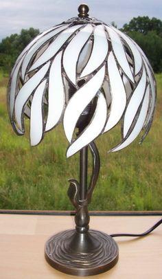 Lampe Tiffany. Lampe de chevet. Lampe de par StainedIIIGlass