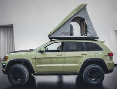 View Jeep Grand Cherokee Overlander Concept Can Get Away from It All—and Stay Away Photos from Car and Driver. Find high-resolution car images in our photo-gallery archive. Grand Cherokee Lifted, Grand Cherokee Trailhawk, Grand Cherokee Overland, Jeep Grand Cherokee Limited, Cherokee 4x4, Jeep Camping, Motorcycle Camping, Vw Tiguan 2015, Tiguan 4x4