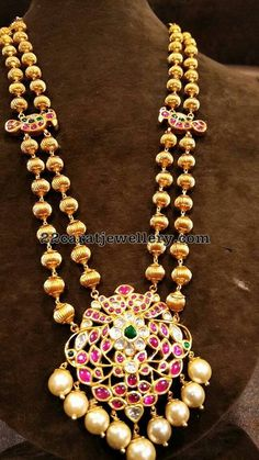 Where Sell Gold Jewelry Refferal: 5401486561 Indian Jewellery Design, Latest Jewellery, Indian Jewelry, Jewelry Design, Gold Jewelry Simple, Black Jewelry, Body Jewelry, Jewelry Shop, Temple Jewellery