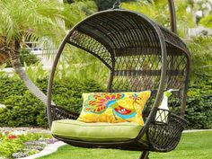 19 Gorgeous Hanging Chair Designs For Extra Pleasure In The Garden
