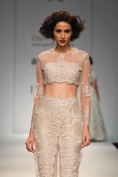 #AIFW #IndianFashion #AIFWAW15 #AW15 #PayalSinghal #Sheer #Layering #MutedColours #Pastels #Embroidery