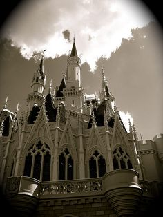 Cinderella Castle - Magic Kingdom - Walt Disney World.