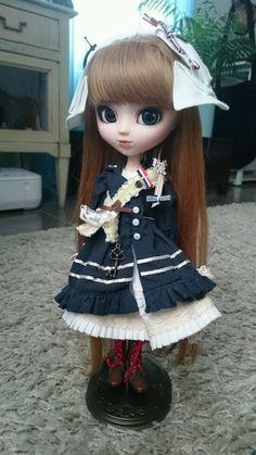 http://www.ebay.fr/itm/Pullip-Merl-nautical-french-marin-byul-dal-taeyang-uniforme-rousse-comme-neuve-/271819093875?pt=LH_DefaultDomain_71