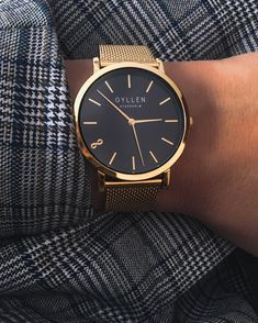 Adorable Dreamy Mens Watch Design Ideas To Try In 2020 Elegant Watches, Beautiful Watches, Luxury Watch Box, Infinity Jewelry, Saint Laurent, Infinity Symbol, Beyonce, Jil Sander, Balenciaga